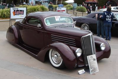 Bugs-1935-ford-ruby-deluxe2.jpg