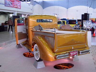 Gene-winfield-1935-ford-shoptruck-dallas-autorama2.jpg