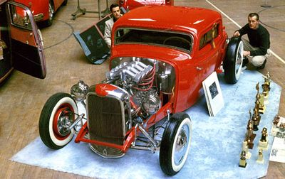 Andy-kassa-1932-ford-red2.jpg