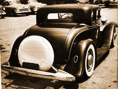Fred-hunzinger-1932-ford-chopped-channeled2.jpg